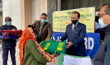 Jamia Hamdard Distributes Blanket to the needy