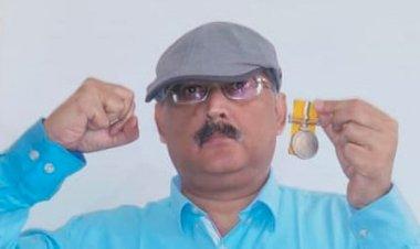 Former IPS officer Amitabh Das returns medal in protest against proposed demolition of Khuda Baksh library
