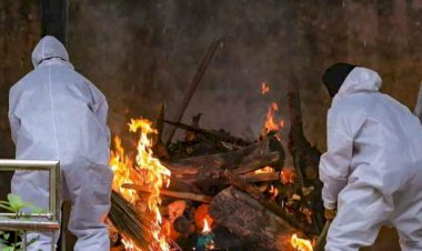 Abandoned by family, Muslim brothers cremate Hindu man