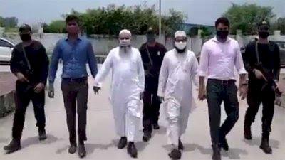 Uttar Pradesh ATS arrests two Muslim clerics under the new anti-conversion law